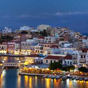 Crete-nightlife-harbour-nighttime-xlarge