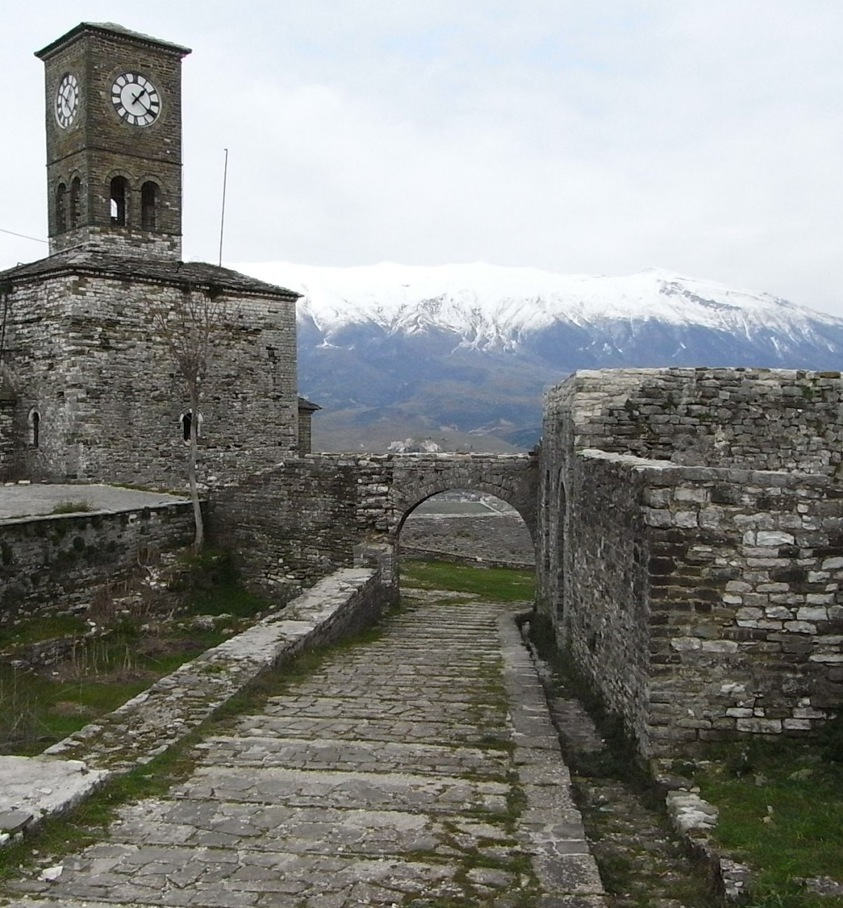 Gjirokastra1.jpg