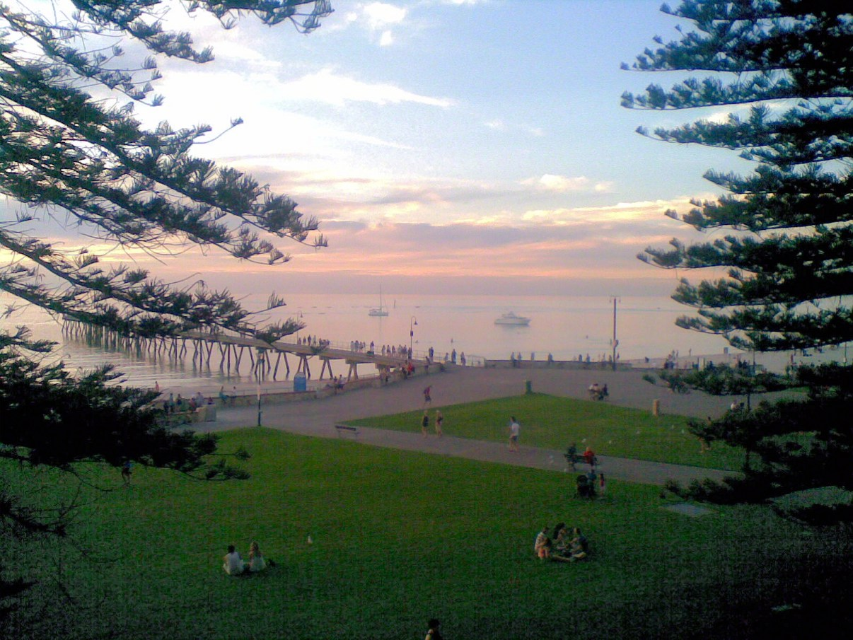 glenelg 10-view from grand 2010