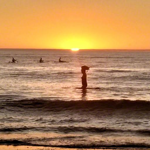 glenelg 13-watching paddleboarders 2018