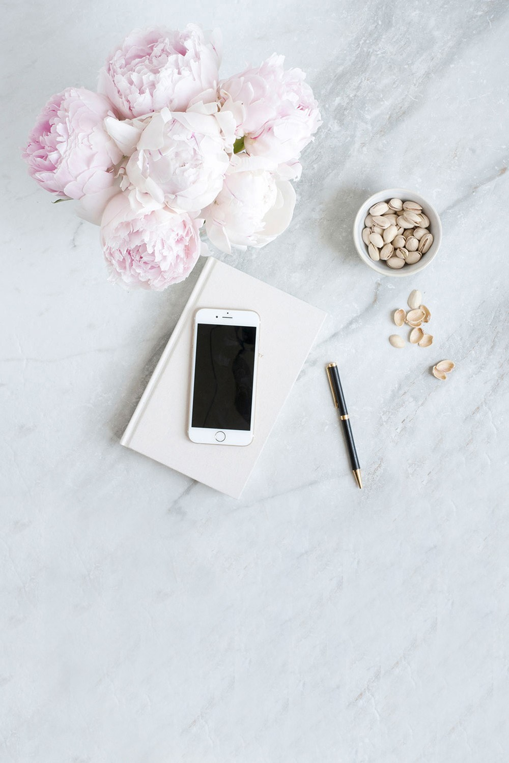 lifestyle designer pivoine iPhone carnet notebook crayon graphiste gourmandise marbre tendances