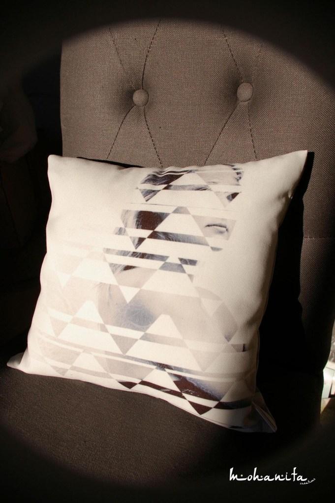 coussins graphique moderne gris blanc noir rose triangle motifs pattern photo noir et blanc