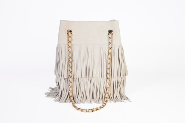 sac seau made in italy créé et designé par anita varry mohanita creations vue de dos frange chaine coloris creme et doré boheme chic mode femme