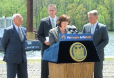 Mayor Thane introduces Lt. Governor Duffy