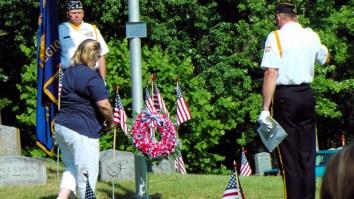 Sherri Zwack lays wreath (Pres. Ladies Aux., Post 701)