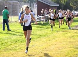 Lauren Santiago leading a pack of runners