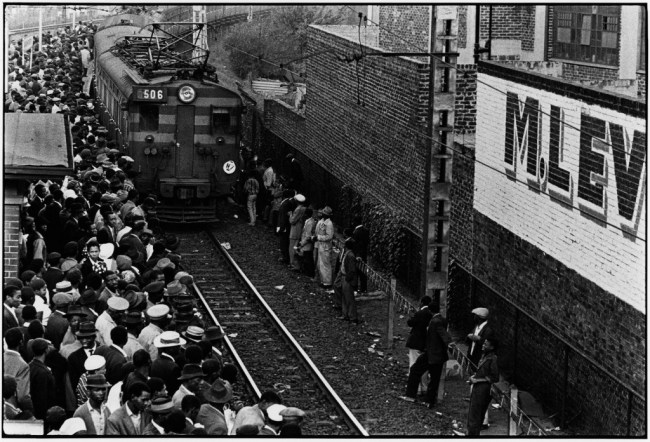 Ernest Cole, Africans throng Johannesburg station platform during late afternoon rush., 1960–1966. Courtesy of the Hasselblad Foundation