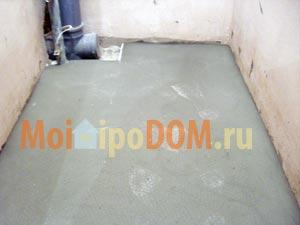 бетонная стяжка пола в ванной комнате