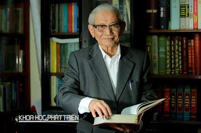 GS Phan Huy Lê: chuyên gia hàng đầu về Lịch sử Việt Nam