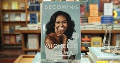"""""""Becoming"""", hồi ký  của cựu Đệ nhất Phu nhân nước Mỹ Michelle Obama sẽ xuất bản tại Việt Nam"""