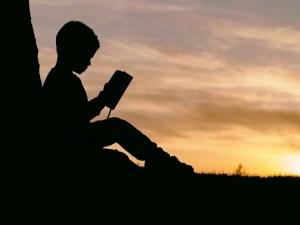 enfant-lire