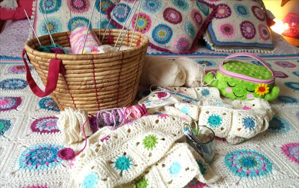 crochet-on-the-bed
