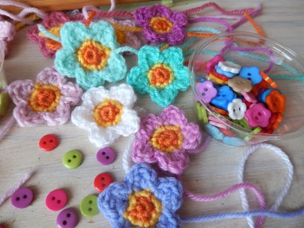 crocheted-flowers