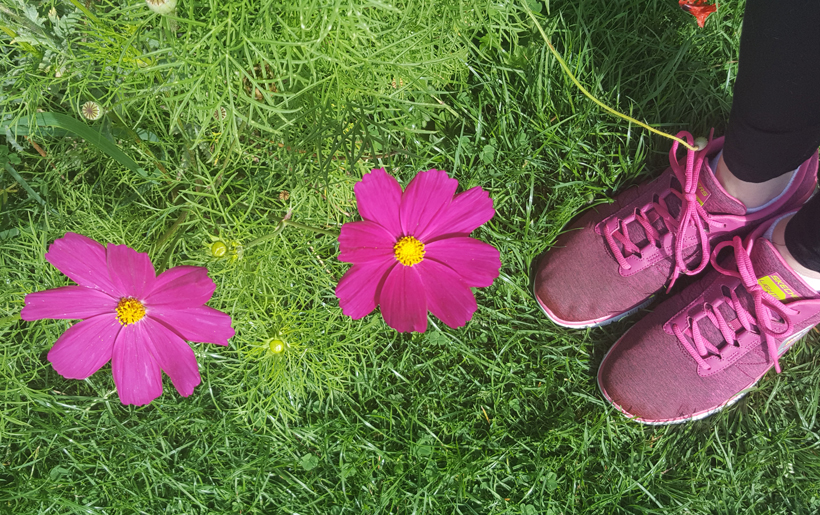 flowers-and-feet