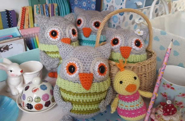 lots-of-owls-and-a-chick