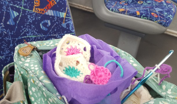 travellimg-with-crochet