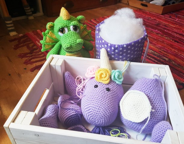 Unicorn Crochet: 50 Totally Cute Projects!: Gradt, Katja: 9781631583445:  Amazon.com: Books | 478x611