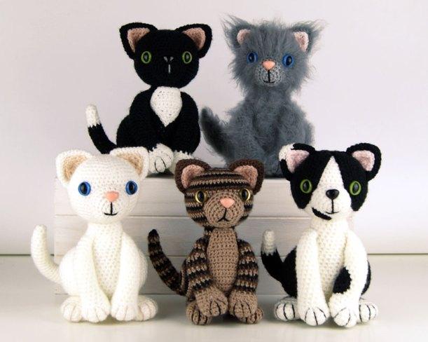 Lying Kitten Amigurumi Crochet Pattern Free | 488x611