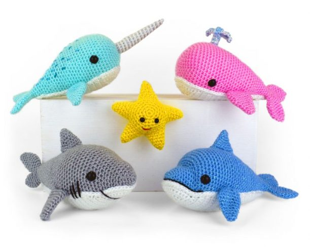 Free Amigurumi Whale Pattern - Knits and Knots by AME | 488x611