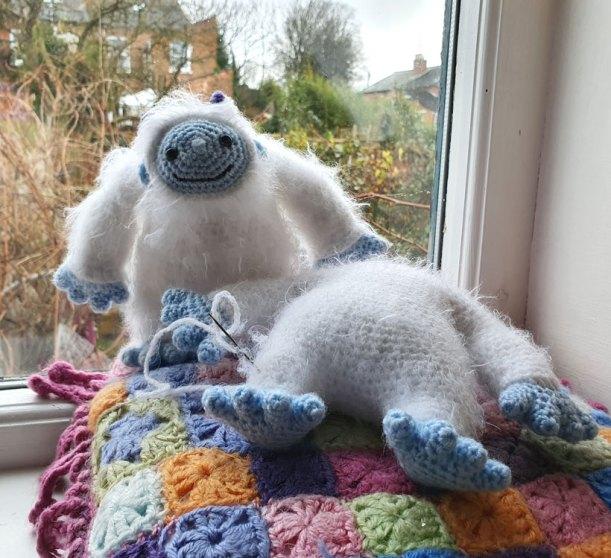 Original Little Bigfoot Lion Free Crochet Pattern | 558x611