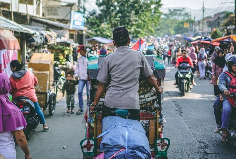 Steven Pinker Bilang Dunia Jadi Lebih Baik, Itu Indonesia Masuk Hitungan Nggak Ya?