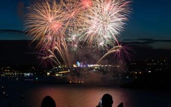 Merayakan Tahun Baru Emang Nggak Perlu Pakai Terompet dan Kembang Api, Berisik!