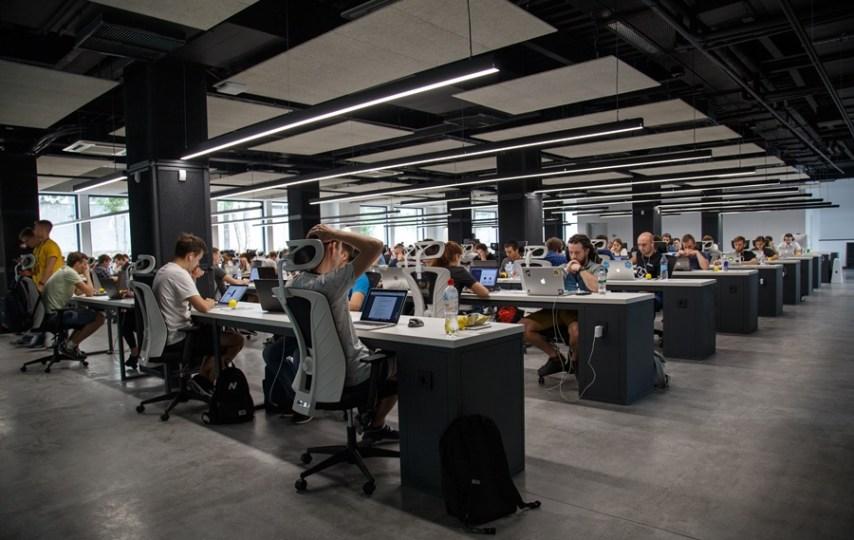 Jebakan Industri dan Logika Mayoritas Mengungkung Kreativitas Kita