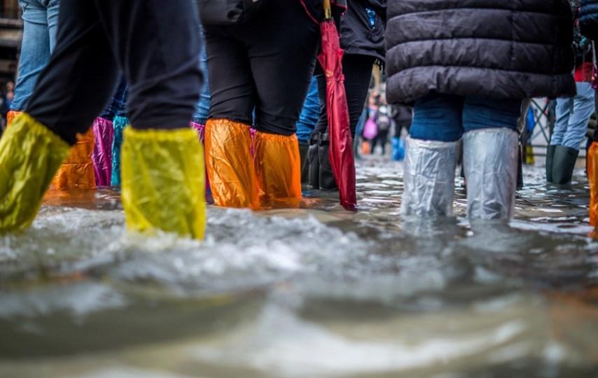 Musim Hujan dan Banjir Tiba, Berhenti Menyalahkan Sampah!