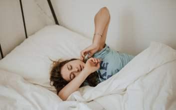 Kebiasaan Orang Kebluk: Sudah Pasang Alarm Berkali-kali, Tetap Saja Susah Bangun Tidur