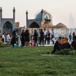 Bukankah Beribadah di Masjid Adalah Hak Segala Usia, Ya?