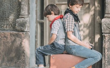 anak bungsu tidak enak rentan stres dimaki kakak orang tua wfh disuruh-suruh mojok