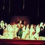 anak teater lautan jilbab teater emha ainun nadjib drama pementasan mojok