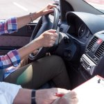 belajar mobil belajar motor di lapangan dilarang hukum pidana mojok.co