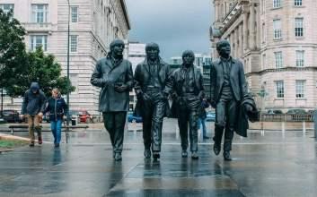 Apakah Salah Jika Fans Manchester United Menyukai The Beatles dan Osis MOJOK.CO