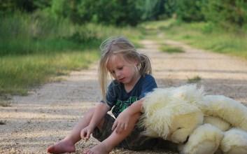 Memuji Anak dengan 'Kamu Pintar, Nak!' Adalah Alasan Anak Jadi Mudah Menyerah MOJOK