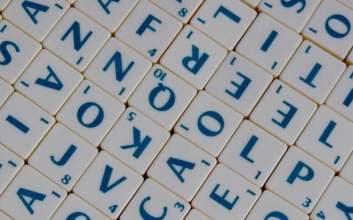 Slangpedia 5 Kata Lain untuk Menyebut 'Friend', Biar Nggak Dibilang Kaku MOJOK.CO