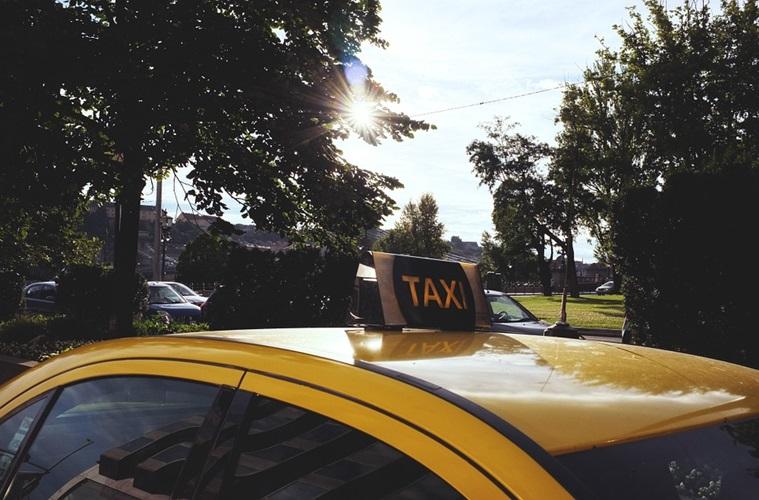 Perusahaan Kalap + Pemerintah Gagap = Polemik Taksi