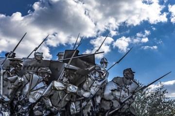 Meredam Panas Palu-Arit: Belajar dari Pendekar Khilafah