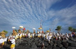 Tentang Nasionalisme dan Tuhan yang Ternyata Tinggal di Bali