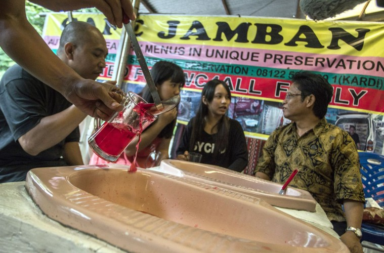 Café Jamban, Usaha Seorang Dokter Mengangkat Derajat Toilet