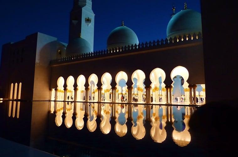 Kenapa SPBU Lebih Ramai Ketimbang Masjid?