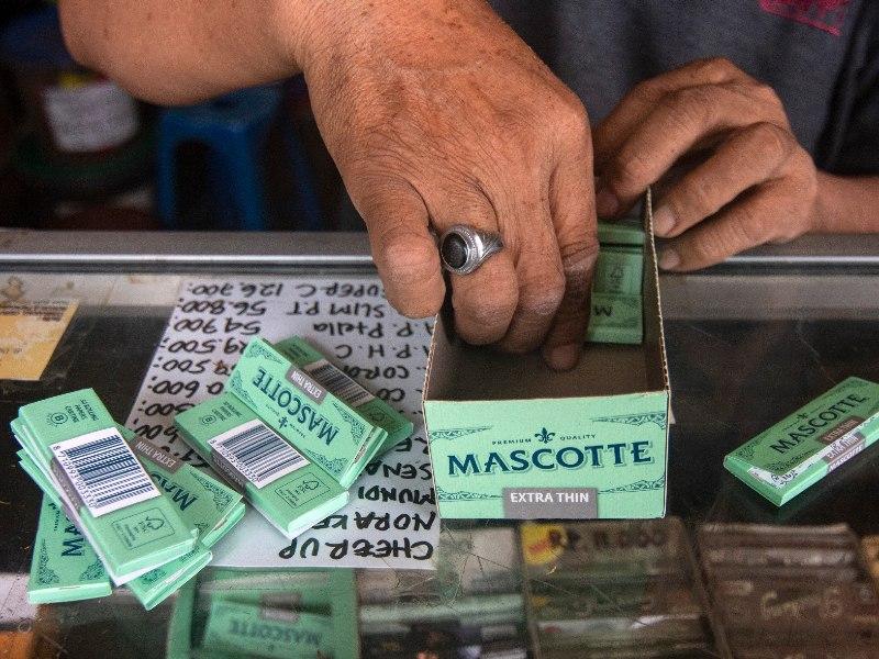 toko tembakau terdekat jogja macam-macam tembakau tingwe cara meracik tingwe liputan mojok.co 2