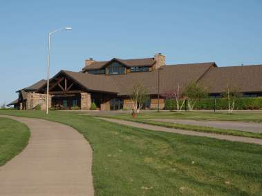 Staley-Farms-clubhouse