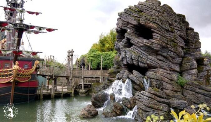 Mój Punkt Widzenia Blog - statek i czaczki w Adventureland, Disneyland