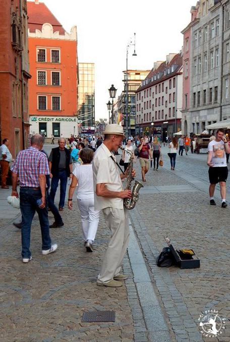 Mój Punkt Widzenia Blog - saksofonista na wrocławskim rynku