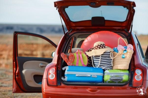 Samochód z bagażami, wakacje