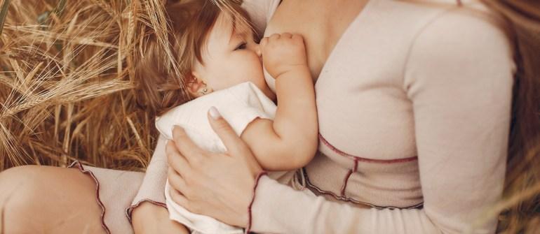 8 False verità sull'allattamento al seno