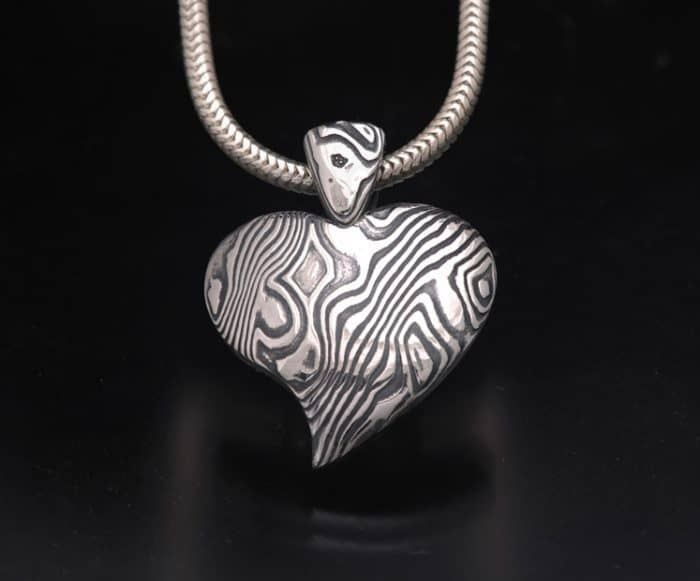 DAMASCUS HEART PENDANT NECKLACE