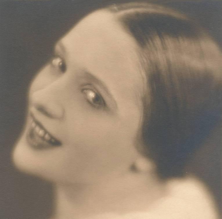 Leonie - actrice en spionne