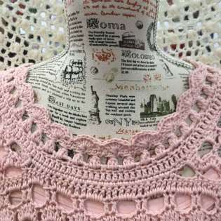 Vestido crochet romantico en rosa cuello